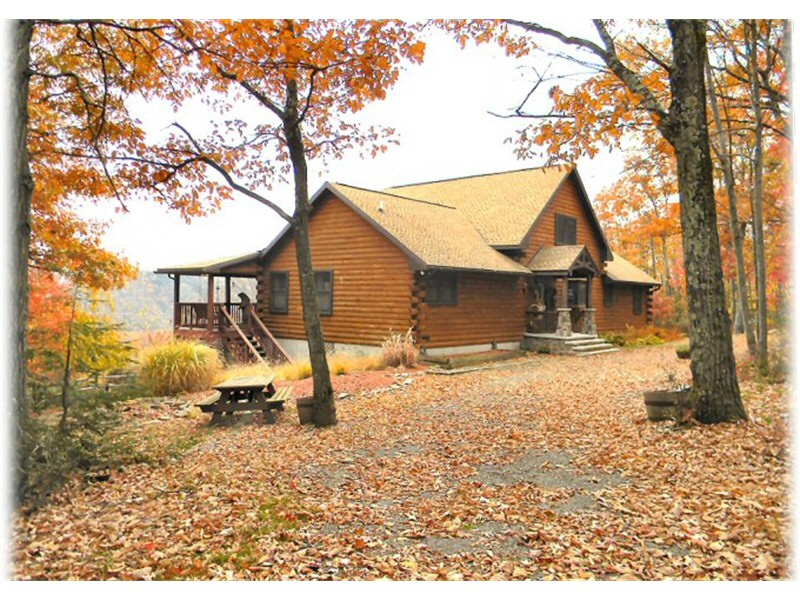 Log Home Builders Poconos Lehigh Valley PA - Ph: 610-377-2111 - Service Construction Co. Inc.