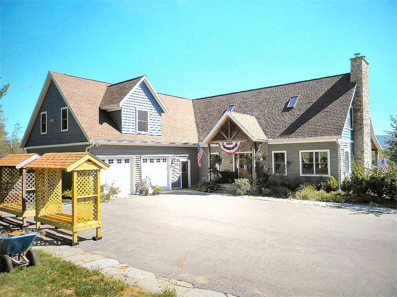 Luxury Custom Home Builder Serving Lehigh Valley Poconos