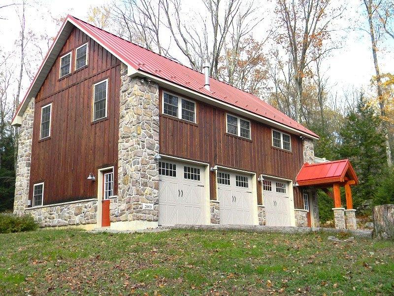 Custom home builder home over garage construction serving for Pocono home builders